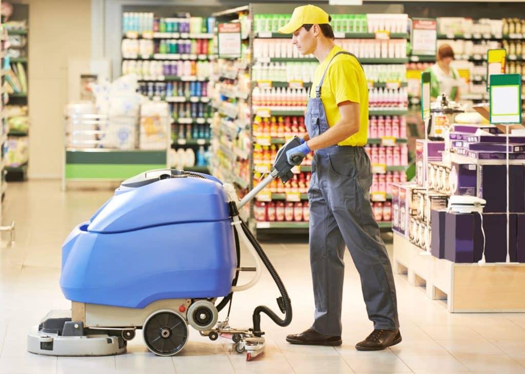 Multis nettoyage des sols dans les magasins et les commerces