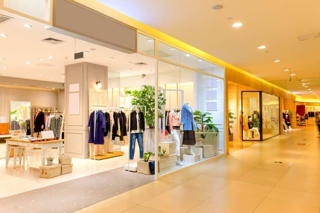Nettoyage de la vitrine de votre magasin ou de votre commerce Multis 36